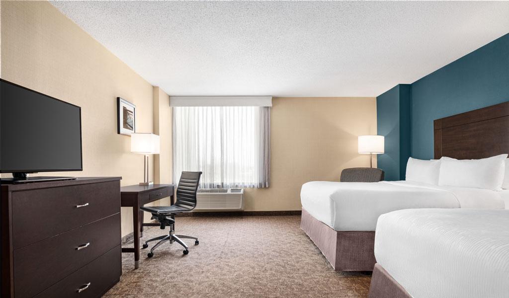 Rooms Wyndham Garden Niagara Falls Fallsview