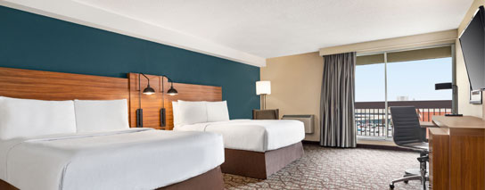 Wyndham Garden Niagara Falls Fallsview - 2 Queen Beds and Balcony Room – City View